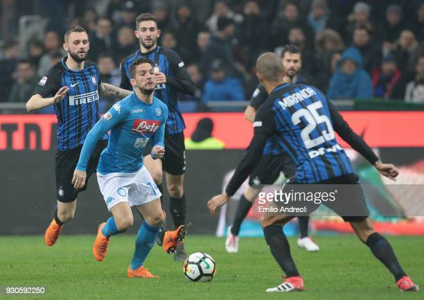 Dries Mertens of SSC Napoli in action during the serie A match between FC Internazionale and SSC Napoli at Stadio Giuseppe Meazza on March 11 2018 in...
