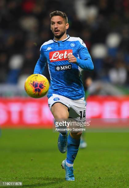 Dries Mertens of SSC Napoli in action during the Serie A match between US Sassuolo and SSC Napoli at Mapei Stadium Citta del Tricolore on December 22...