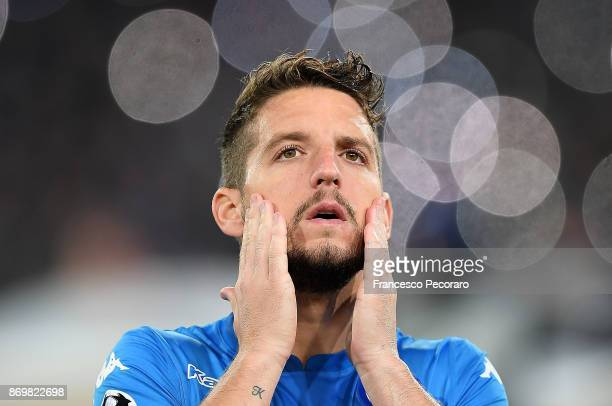 Dries Mertens of SSC Napoli line up before the UEFA Champions League group F match between SSC Napoli and Manchester City at Stadio San Paolo on...