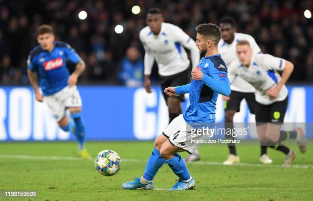 Dries Mertens of SSC Napoli scores the 40 goal during the UEFA Champions League group E match between SSC Napoli and KRC Genk at Stadio San Paolo on...
