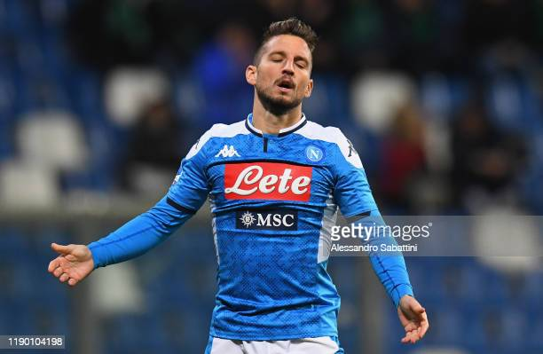 Dries Mertens of SSC Napoli shows his dejection during the Serie A match between US Sassuolo and SSC Napoli at Mapei Stadium Citta del Tricolore on...