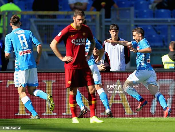 Dries Mertens with his teammates of SSC Napoli celebrates after scoring the team's second goal during the Serie A match between AS Roma and SSC...