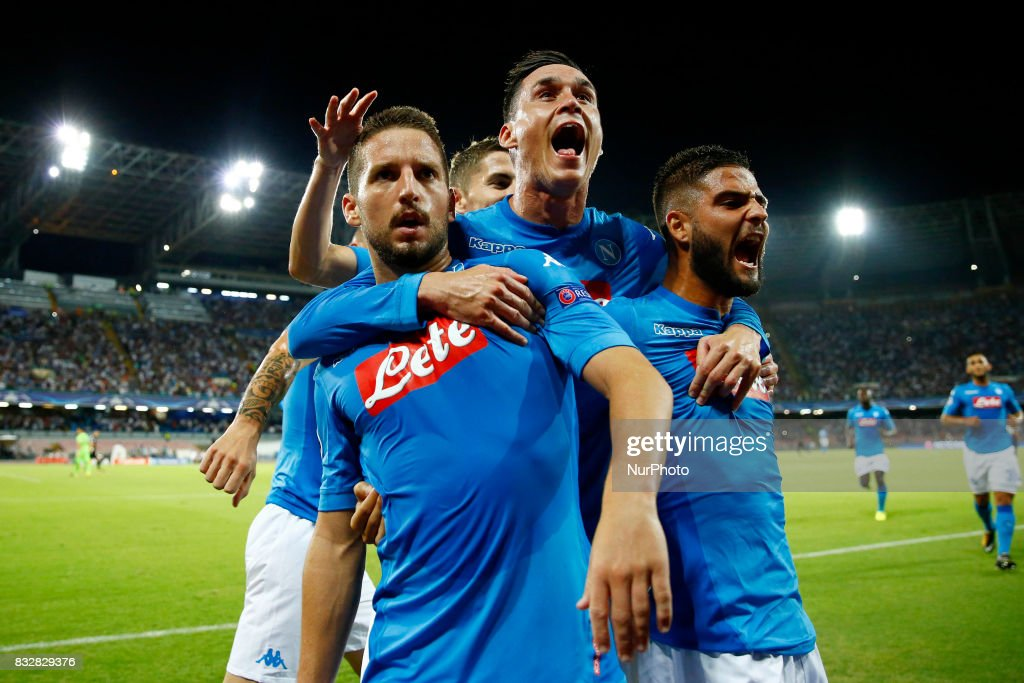 SSC Napoli v OGC Nice - UEFA Champions League Qualifying Play-Offs Round: First Leg : News Photo