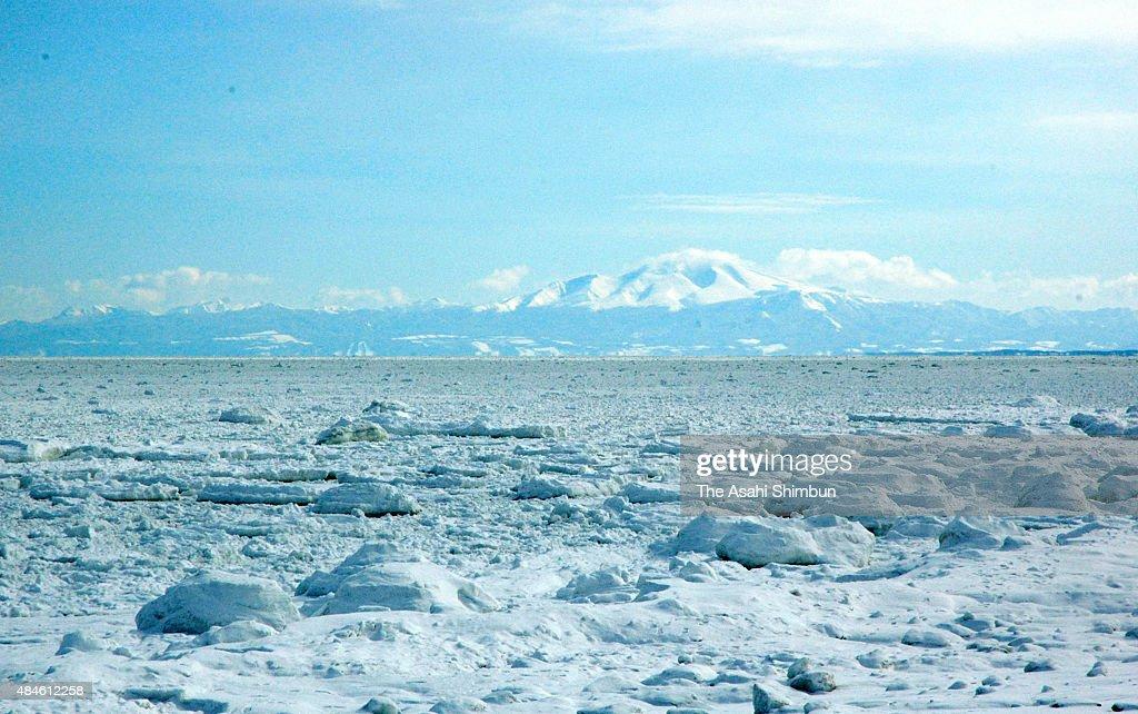Drift Ice Arrives At Abashiri : News Photo