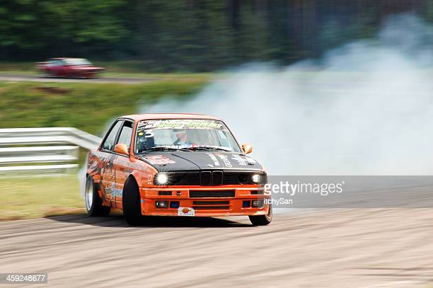 BMW E30 ziehende auf race track