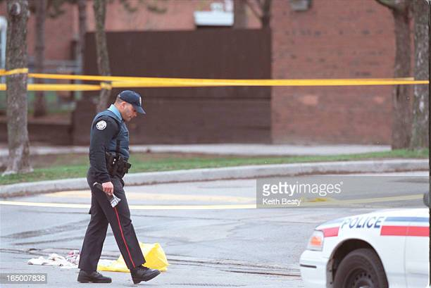 Driftwood Court shooting scene Pix of ETF crouched outside variety store in strip mall on Driftwood Avemay have been location of shootingalso towels...