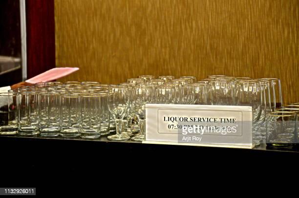 drink glasses arrangements party