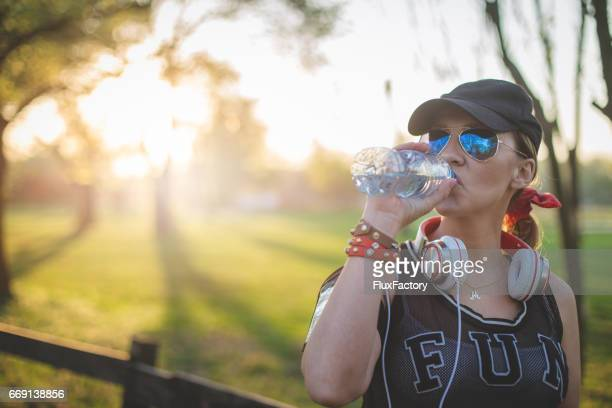 長期的には、トレーニング後の水を飲む