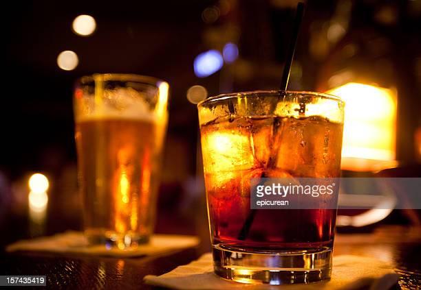 お飲物は、バー