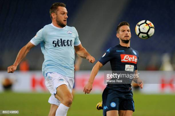 Dris Mertens of SSC Napoli compete for the ball with Stefan De Vrij of SS Lazio during the Serie A match between SS Lazio and SSC Napoli at Stadio...