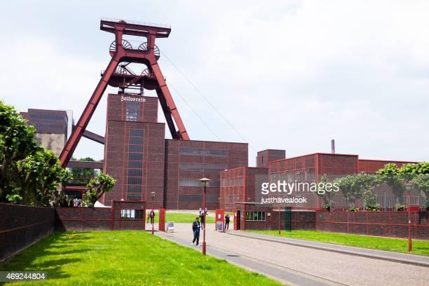 Drive und Eingang zum Zeche Zollverein Essen
