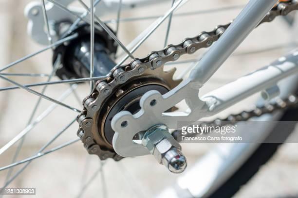 drive chain of bicycle - 変速ギア ストックフォトと画像