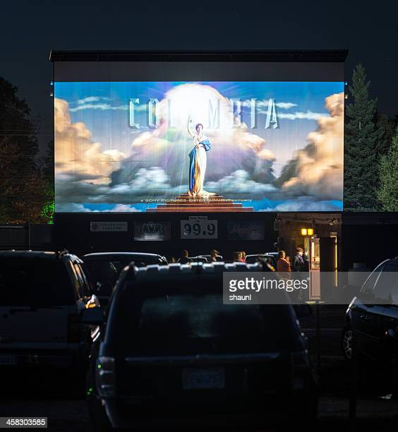drive in movie - drive in movie stock pictures, royalty-free photos & images