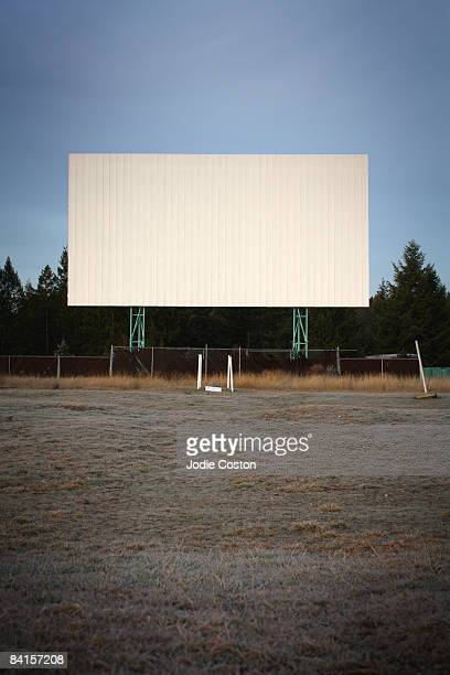 drive in theatre - drive in movie stock pictures, royalty-free photos & images