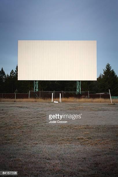 drive in theatre - autokino stock-fotos und bilder