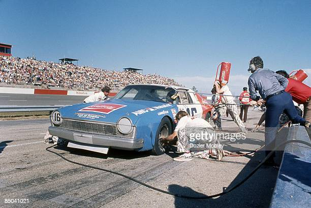 Driver Bobby Allison pits his CocaCola sponsored car at the American 500 race on October 19 1975 at the North Carolina Motor Speedway in Rockingham...