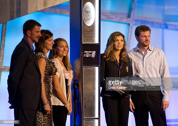 182 Taylor Earnhardt Photos And Premium High Res Pictures Getty Images She was previously married to dale earnhardt. https www gettyimages co uk photos taylor earnhardt