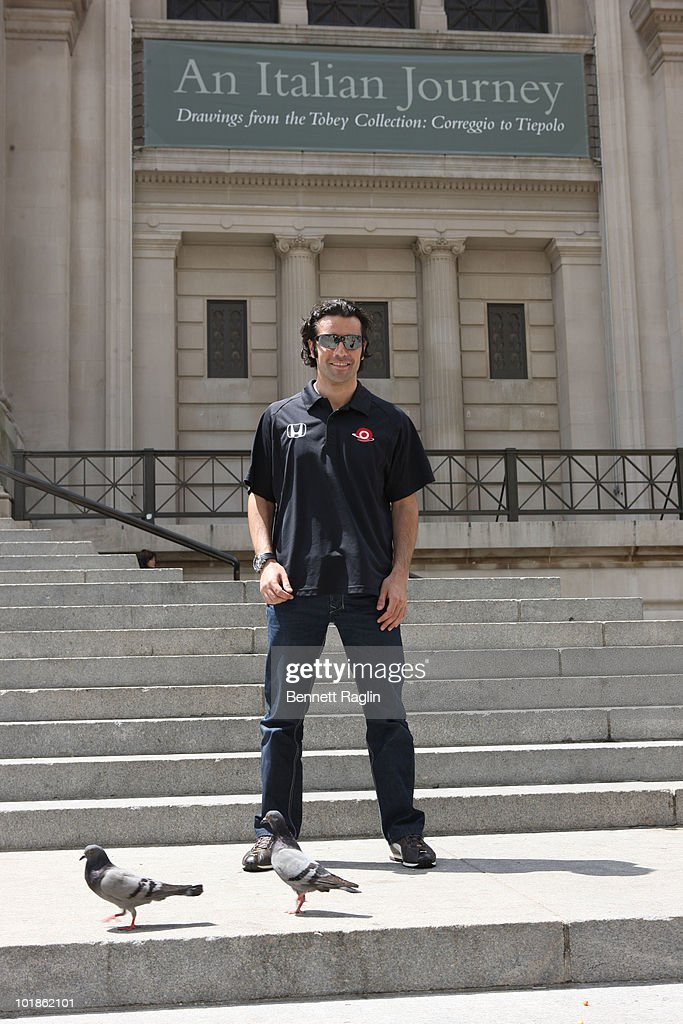 2010 Indianapolis 500 Winner Dario Franchitti's Victory Lap In NYC : News Photo