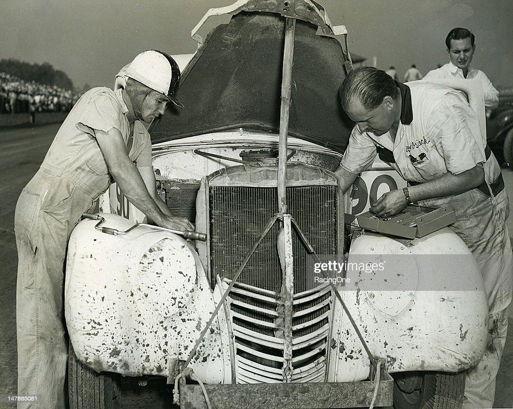 Ed Samples/Bob Osiecki - Modified Race 1947 : News Photo