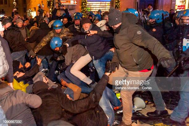 Drivers of vehicles for hire clash with Italian Police in front of the Senate during a demonstration against new legislation on January 28, 2019 in...