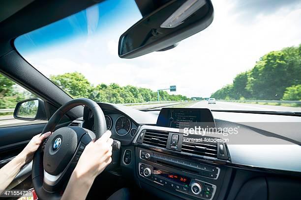 Fahren einen BMW (E90) 320d 2013