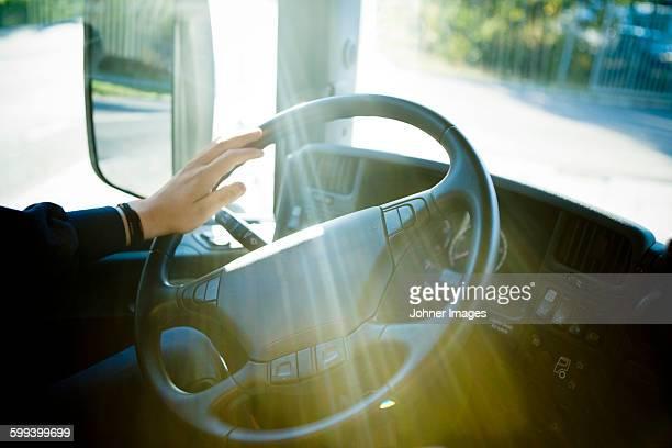 driving lorry - atacante - fotografias e filmes do acervo
