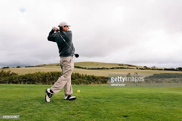 ゴルフ練習場、ゴルフコース - ゴルフクラブ ドライバー ストックフォトと画像