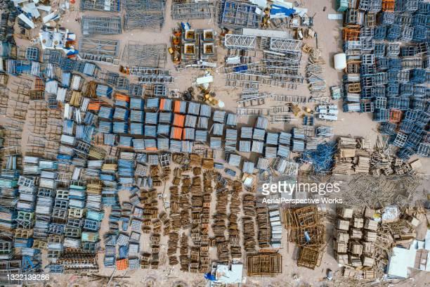 drone-oogpunt van bouwplaats en bouwafval - geruïneerd stockfoto's en -beelden