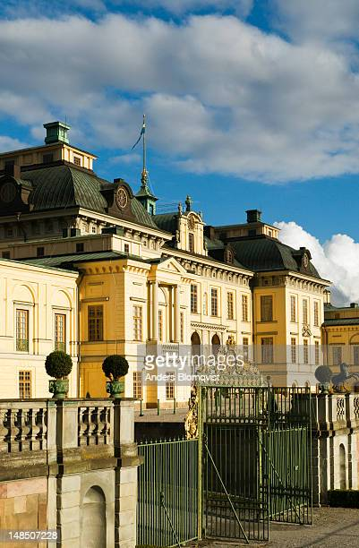 drottningholm palace. - drottningholm palace stock pictures, royalty-free photos & images