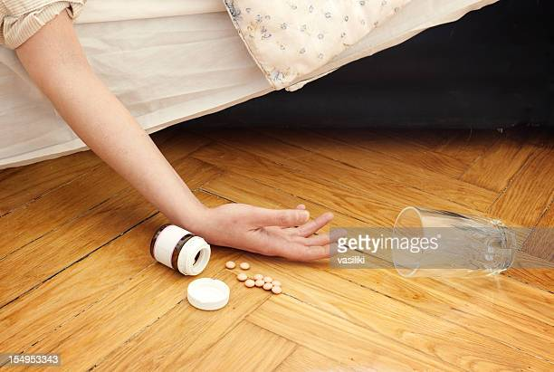 drug overdose - death photos stock photos and pictures