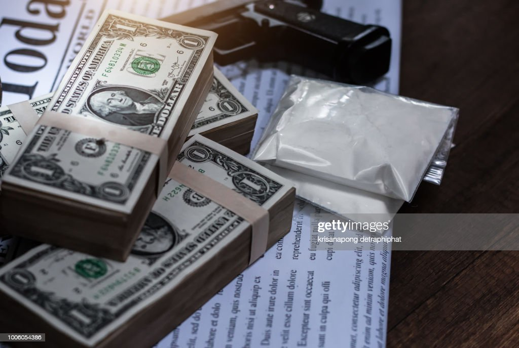 Drug trafficker,Drug addict buying narcotics and paying,heroin : Stock Photo