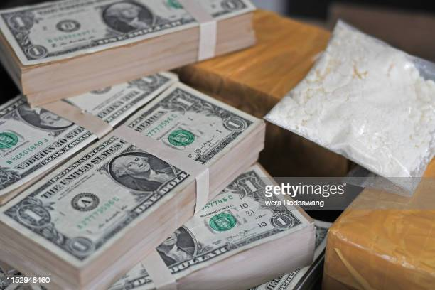 drug trafficking and money laundering, organized crime,  bulk cash smuggling - drug trafficking stock pictures, royalty-free photos & images