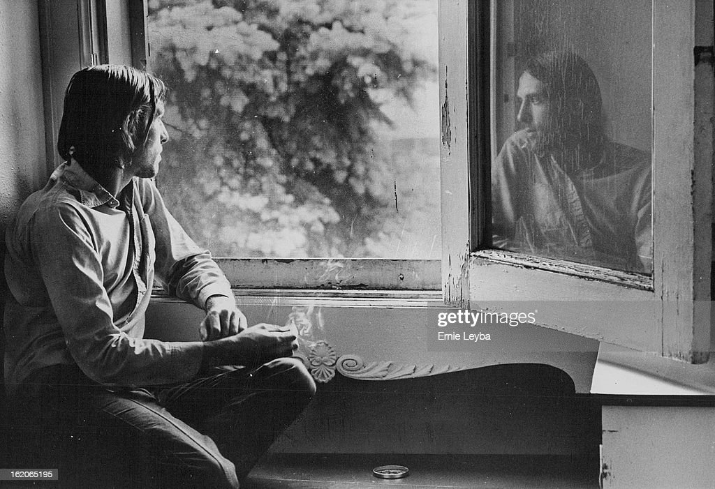 JUN 20 1977, AUG 10 1977, AUG 14 1977; Drugs may ease the symptoms of mental illness, but for many f : News Photo