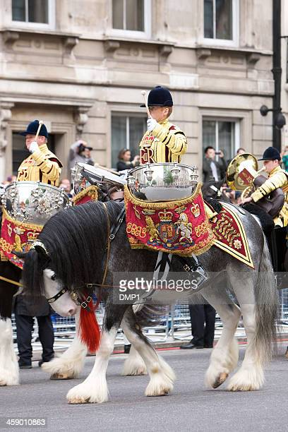 drum horse for the queen's diamond jubilee state procession - shire horse stock pictures, royalty-free photos & images