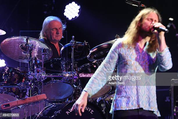 Drummer Alan White and singer Jon Davison of British Rock Group Yes perform during a concert at Admiralspalast on May 27 2014 in Berlin Germany