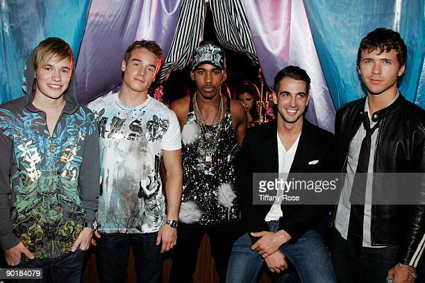 """Drummer Beau Evans, actor Brnado Eaton, actor Brandon Smith, Rory Cooke and Stephen Lunsford attend Zoey Myers """"Love Me Or Hate ME"""" Video Shoot on..."""