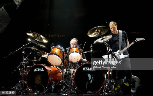 Drummer Lars Ulrich and Vocalist/Guitarist James Hetfield of Metallica perform at the Wachovia Center on January 17, 2009 inPhiladelphia,...