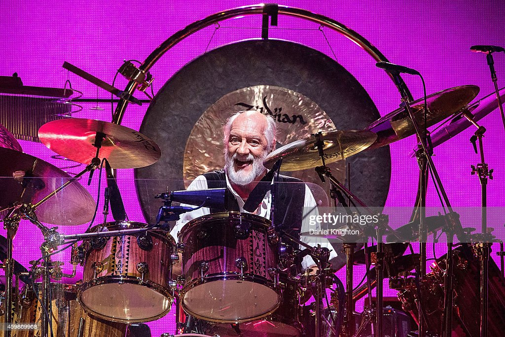 """Fleetwood Mac In Concert - """"On With The Show Tour"""" - San Diego, CA"""