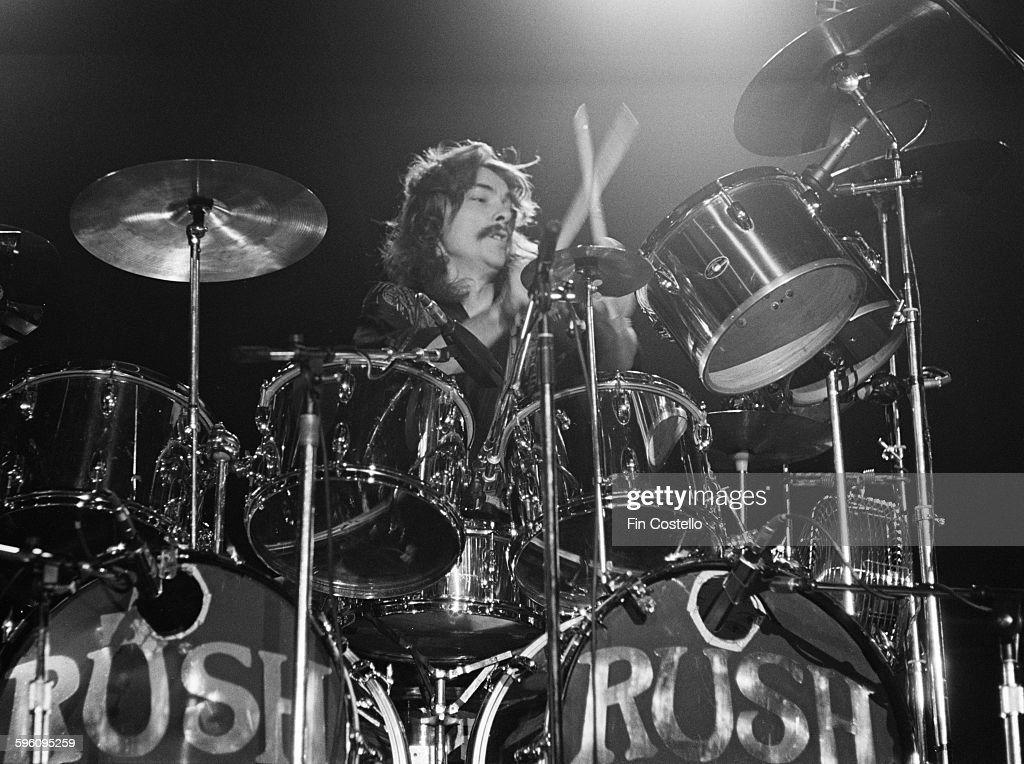 drummer-neil-peart-performing-with-canad