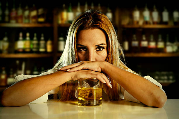 alcohol and women Alcohol can affect the body in different ways some women find they are happier, while others feel more depressed certain women say that their hot flashes, night sweats, and insomnia become worse.