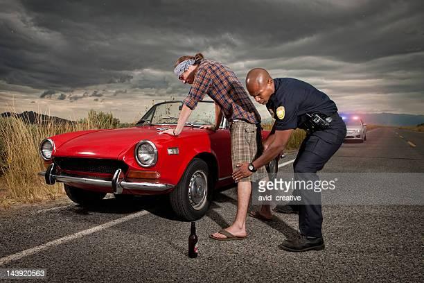 Betrunken Fahrer, Frisked by Police Officer