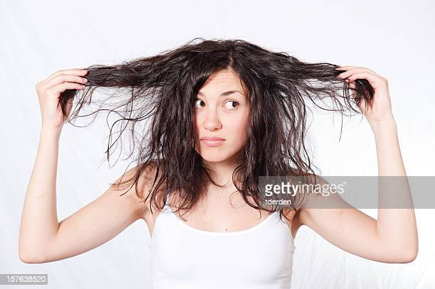 dry and damaged hair - shampoo stockfoto's en -beelden