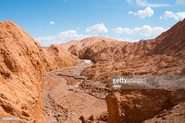 Seco lecho del río - Valle de Marte (Mars Valle) - desierto de Atacama - paisaje volcánico