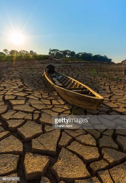 Dry sunny boat