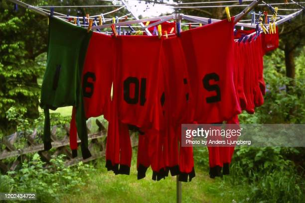 drying numbers - football strip stock pictures, royalty-free photos & images