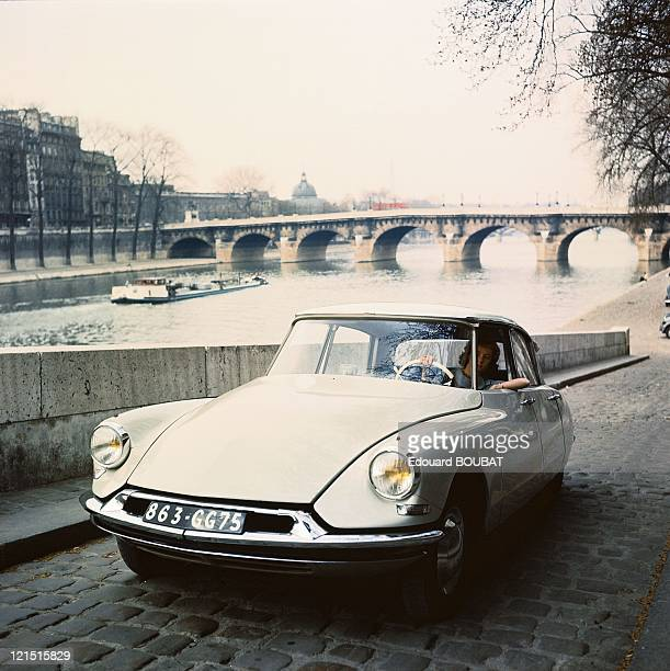 Ds 19 On The Quays Of The Seine Around 19551961