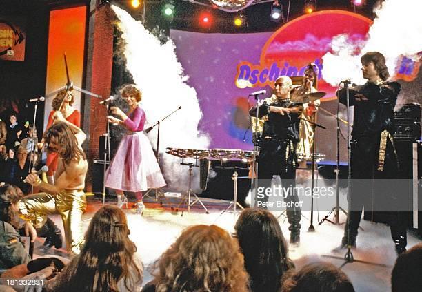 Dschingis Khan mit Leslie Mandoki Henriette Heichel Edina Pop Steve Bender Wolfgang Heichel dahinter Louis Potgieter ARDMusikshow Musikladen Bemen...
