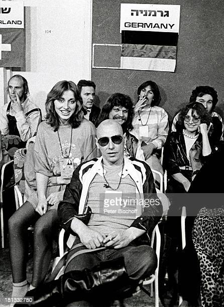 Dschingis Khan mit Steve Bender Henriette Heichel Leslie Mandoki Edina Pop dahinter Louis Potgieter Grand Prix d' Eurovision Jerusalem Israel...