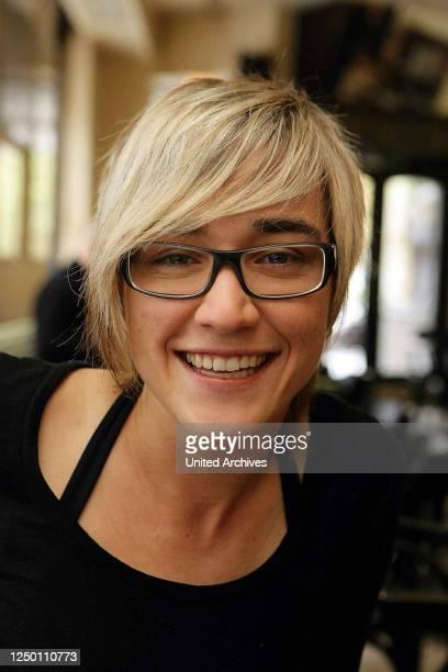 """Gewinnerin Elli Erl - Die deutsche Sängerin Elisabeth """"Elli"""" Erl gewann in der zweiten Staffel der RTL-Castingshow Deutschland sucht den Superstar."""