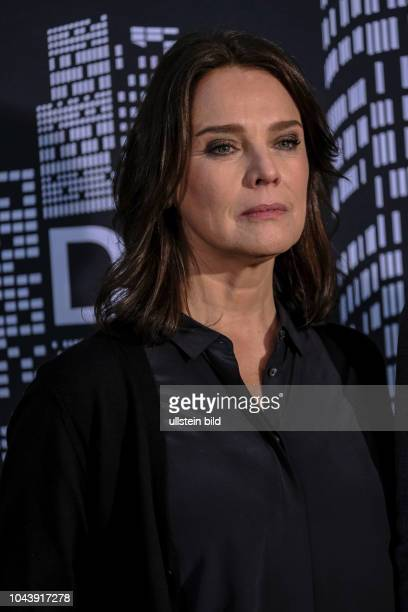 """Désirée Nosbusch Die Serie """"Bad Banks"""" entführt den Zuschauer in die schillernde Welt der Hochfinanz, in der riskante Geldgeschäfte das Adrenalin..."""